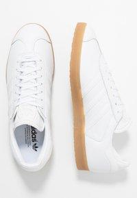 adidas Originals - GAZELLE - Trainers - footwear white - 1