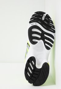 adidas Originals - EQT GAZELLE - Matalavartiset tennarit - solar yellow/silver metallic/core black - 5