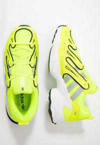 adidas Originals - EQT GAZELLE - Matalavartiset tennarit - solar yellow/silver metallic/core black - 2