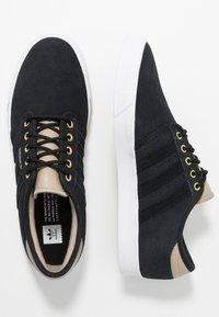 adidas Originals - SEELEY - Sneakers laag - core black/footwear white/trace khaki - 1