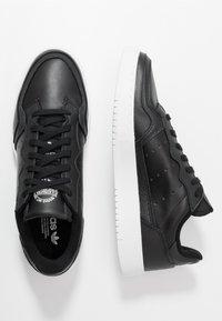adidas Originals - SUPERCOURT - Sneakers laag - cblack/cblack/ftwwht - 1