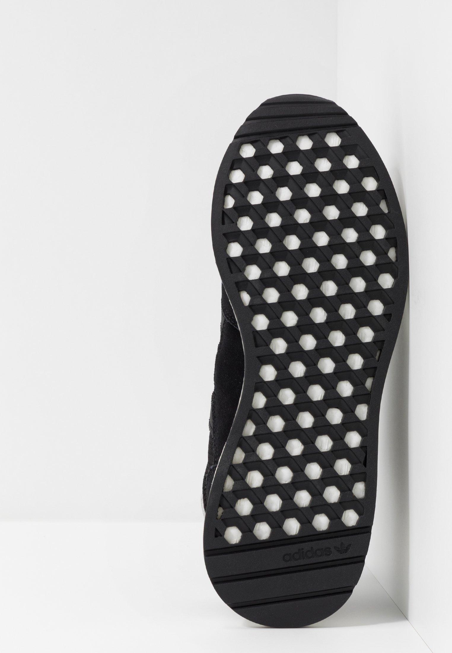 footwear Adidas Core White Marathon TechBaskets Black Basses Originals m8nw0vN