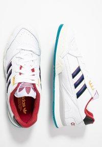 adidas Originals - A.R. TRAINER - Sneakers laag - footwear white/collegiate burgundy/collegiate royal - 1