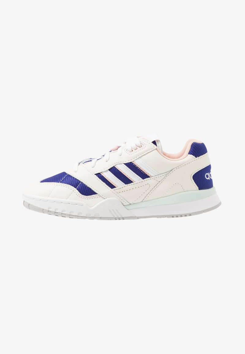 adidas Originals - A.R. TRAINER - Trainers - offwhite/footwear white/real purple