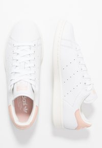 adidas Originals - STAN SMITH - Sneakersy niskie - footwear white/vapor pink/offwhite - 1
