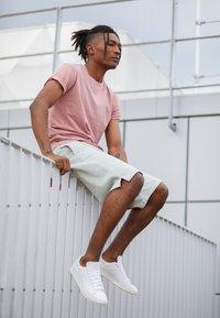 adidas Originals - STAN SMITH - Joggesko - footwear white/linen green/offwhite - 6