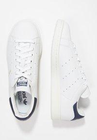 adidas Originals - STAN SMITH - Joggesko - white/dark blue - 1