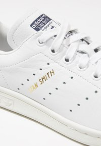 adidas Originals - STAN SMITH - Sneakers - white/dark blue - 5