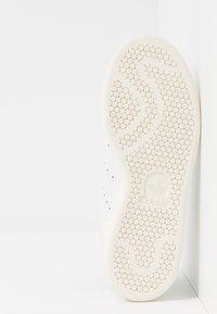 adidas Originals - STAN SMITH - Matalavartiset tennarit - footwear white/collegiate green - 4