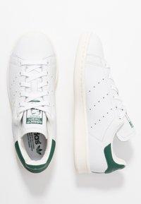 adidas Originals - STAN SMITH - Matalavartiset tennarit - footwear white/collegiate green - 1