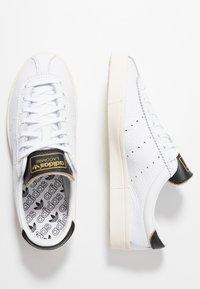 adidas Originals - LACOMBE - Sneakers laag - footwear white/core black/core white - 2