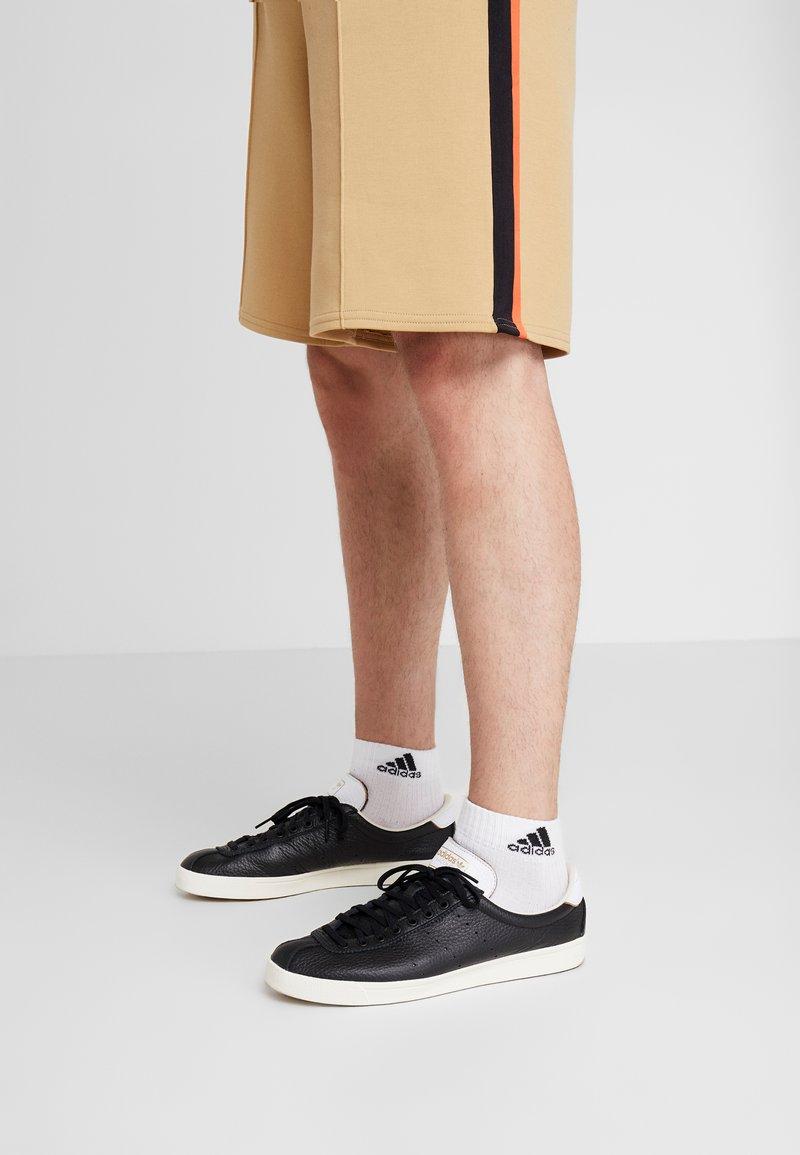 adidas Originals - LACOMBE - Sneaker low - core black/footwear white/chalk white