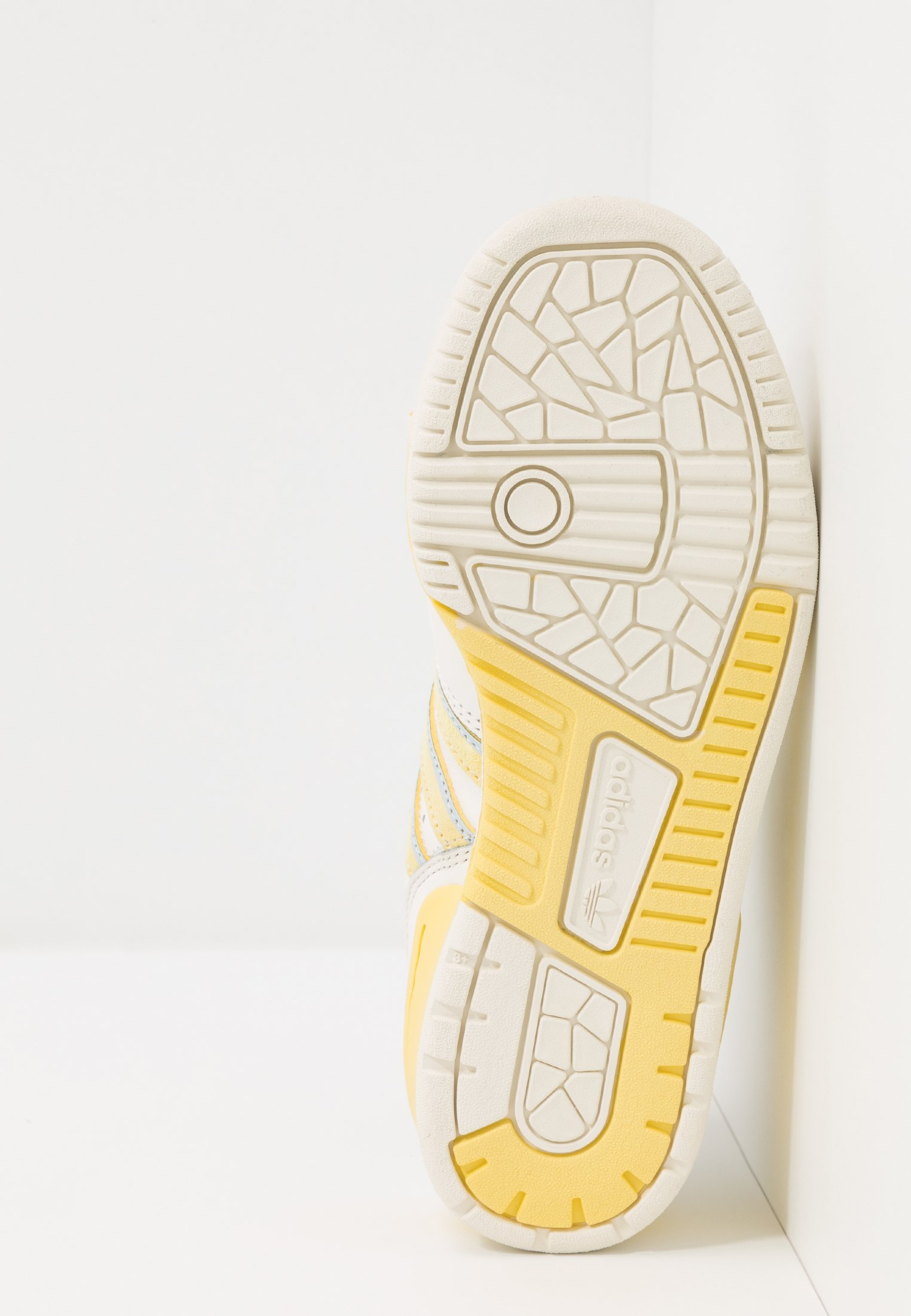 White Yellow Originals Basse offwhite easy Adidas RivalrySneakers Cloud vwNm8n0