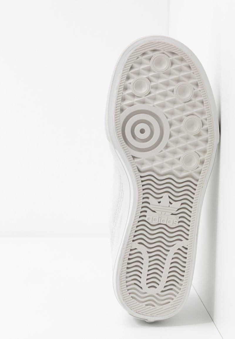 Adidas Grey ContinentalBaskets footwear Originals White Basses One TF13JlKc