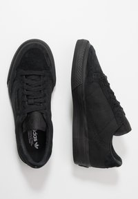 adidas Originals - CONTINENTAL VULCANIZED SKATEBOARD SHOES - Sneakersy niskie - core black/footwear white - 1