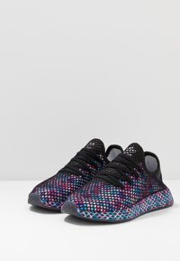 adidas Originals - DEERUPT RUNNER STREETWEAR-STYLE SHOES  - Trainers - core black/footwear white - 2