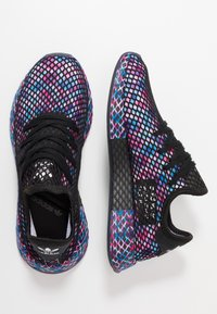 adidas Originals - DEERUPT RUNNER STREETWEAR-STYLE SHOES  - Sneakers - core black/footwear white - 1