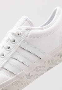 adidas Originals - NIZZA - Zapatillas - footwear white/grey two - 5