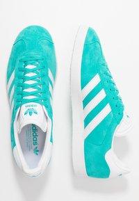 adidas Originals - GAZELLE - Sneakers basse - hi-res aqua/footwear white - 1