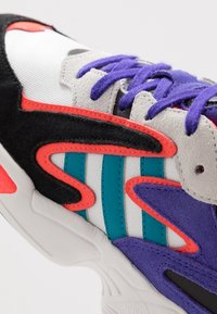 adidas Originals - YUNG-96 CHASM - Sneakers - crystal white/active teal/energy ink - 5