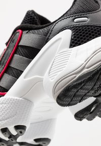 adidas Originals - EQT GAZELLE RUNNING-STYLE SHOES - Sneaker low - core black/grey six/energie pink - 8