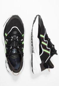 adidas Originals - OZWEEGO ADIPRENE+ RUNNING-STYLE SHOES - Matalavartiset tennarit - core black/solar green/onix - 2