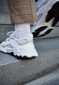 adidas Originals - OZWEEGO ADIPRENE+ RUNNING-STYLE SHOES - Sneakers basse - footwear white/core black - 7