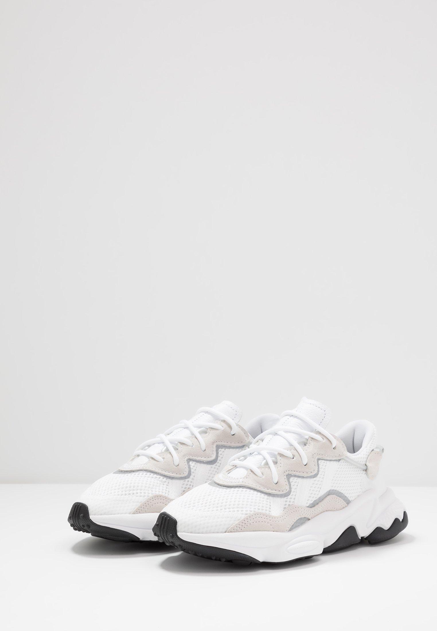 Adidas core Originals Footwear OzweegoBaskets White Basses Black mvynwN80O