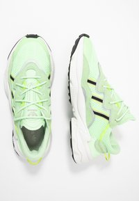 adidas Originals - OZWEEGO ADIPRENE+ RUNNING-STYLE SHOES - Matalavartiset tennarit - glow green/core black/solar yellow - 2