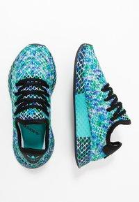 adidas Originals - DEERUPT RUNNER - Sneakers laag - core black/hi-res aqua - 1
