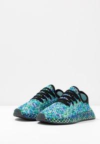 adidas Originals - DEERUPT RUNNER - Sneakers laag - core black/hi-res aqua - 2