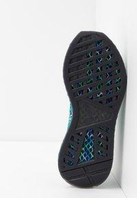 adidas Originals - DEERUPT RUNNER - Sneakers laag - core black/hi-res aqua - 4