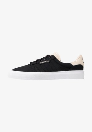 3MC VULCANIZED SKATEBOARD SHOES - Sneaker low - core black/ecru tint/footwear white