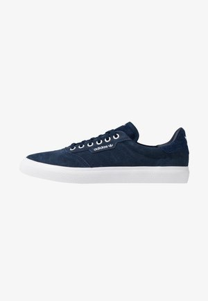 3MC - Sneaker low - collegiate navy/footwear white/silver metallic