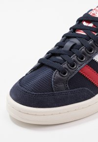 adidas Originals - AMERICANA  - Baskets basses - legend ink/footware white/scarlet - 5