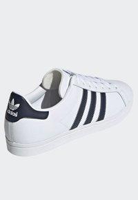 adidas Originals - COAST STAR SHOES - Sneaker low - white - 3