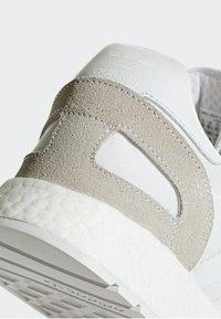 adidas Originals - I-5923 SHOES - Baskets basses - white - 6