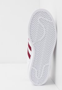 adidas Originals - SUPERSTAR - Sneaker low - footwear white/collegiate burgundy