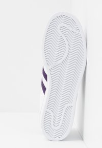 adidas Originals - SUPERSTAR - Sneakersy niskie - footwear white/legend purple - 4