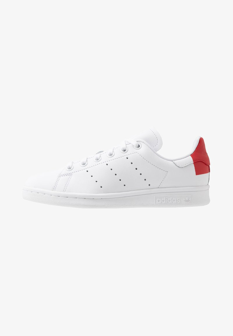 adidas Originals - STAN SMITH HEEL PATCH SHOES - Zapatillas - footwear white/scarlet
