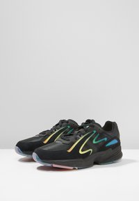 adidas Originals - YUNG-96 CHASM - Tenisky - black/multicoloured - 2