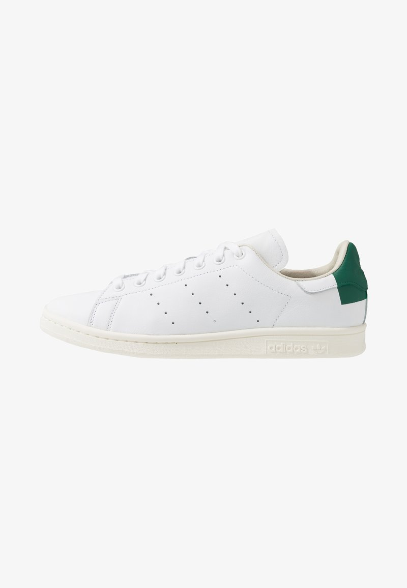 adidas Originals - STAN SMITH HEEL PATCH SHOES - Zapatillas - footwear white/collegiate green/offwhite