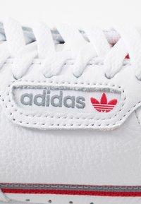 adidas Originals - CONTINENTAL 80 SKATEBOARD SHOES - Sneakers - footwear white/grey three/scarlet - 5