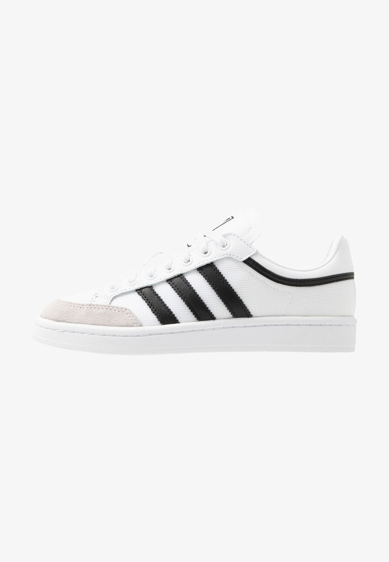 adidas Originals - AMERICANA - Sneakersy niskie - footwear white/core black