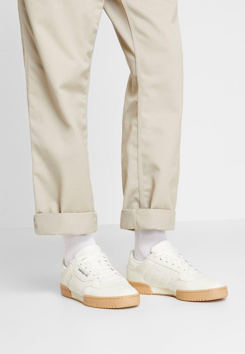 adidas Originals - POWERPHASE - Sneakers laag - offwhite/dark blue