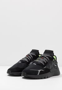 adidas Originals - NITE JOGGER - Sneakers laag - core black
