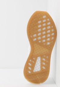 adidas Originals - DEERUPT - Tenisky - footwear white - 4