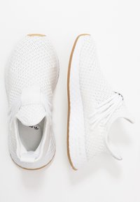 adidas Originals - DEERUPT - Sneakers basse - footwear white