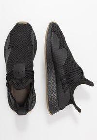 adidas Originals - DEERUPT - Trainers - core black - 1