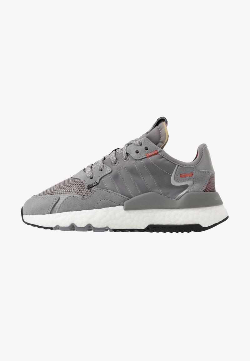 adidas Originals - NITE JOGGER - Trainers - grey three/footwear white